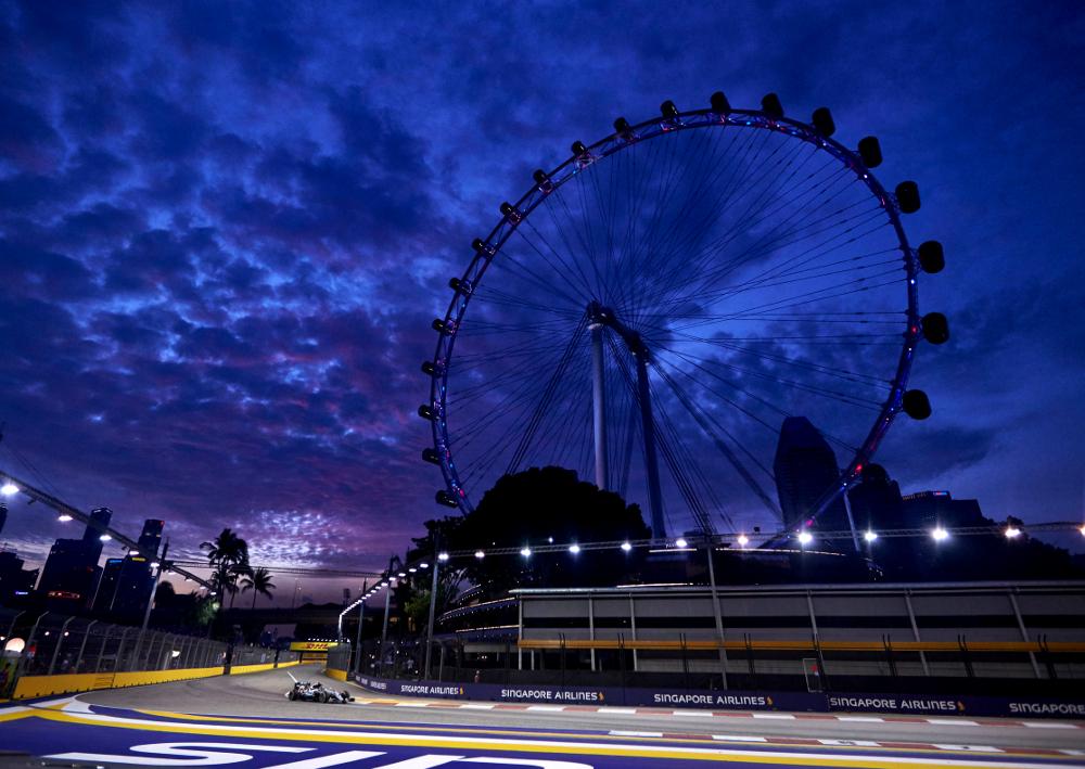 Formel 1 - MERCEDES AMG PETRONAS, Großer Preis von Singapur 2016. Nico Rosberg ; Formula One - MERCEDES AMG PETRONAS, Singapore GP 2016. Nico Rosberg;