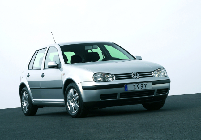 vw-golf-iv-hd_db2003au01924_large-jpg-b