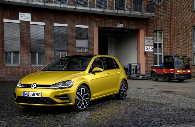 vw-golf-hd_db2016au00916_large-b